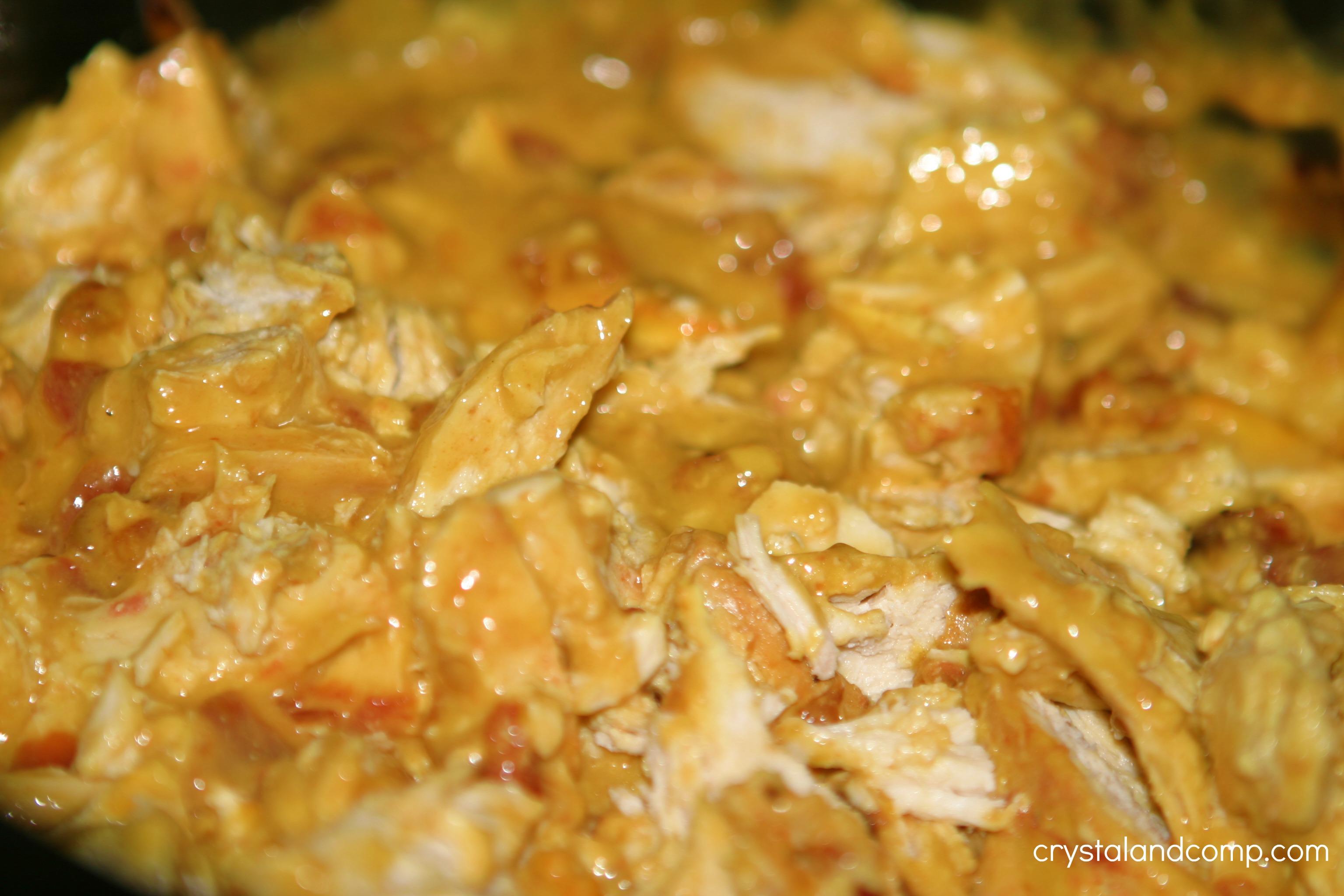 Easy Recipes: Creamy Crockpot Chicken Tacos | CrystalandComp.com