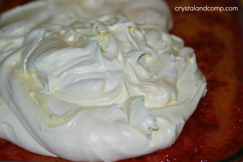 vanilla pudding and whip cream icing