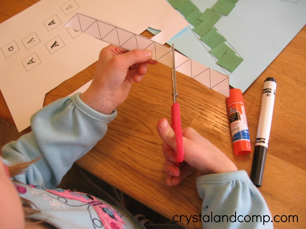 A is for alligator preschool craft (5) - crystalandcomp