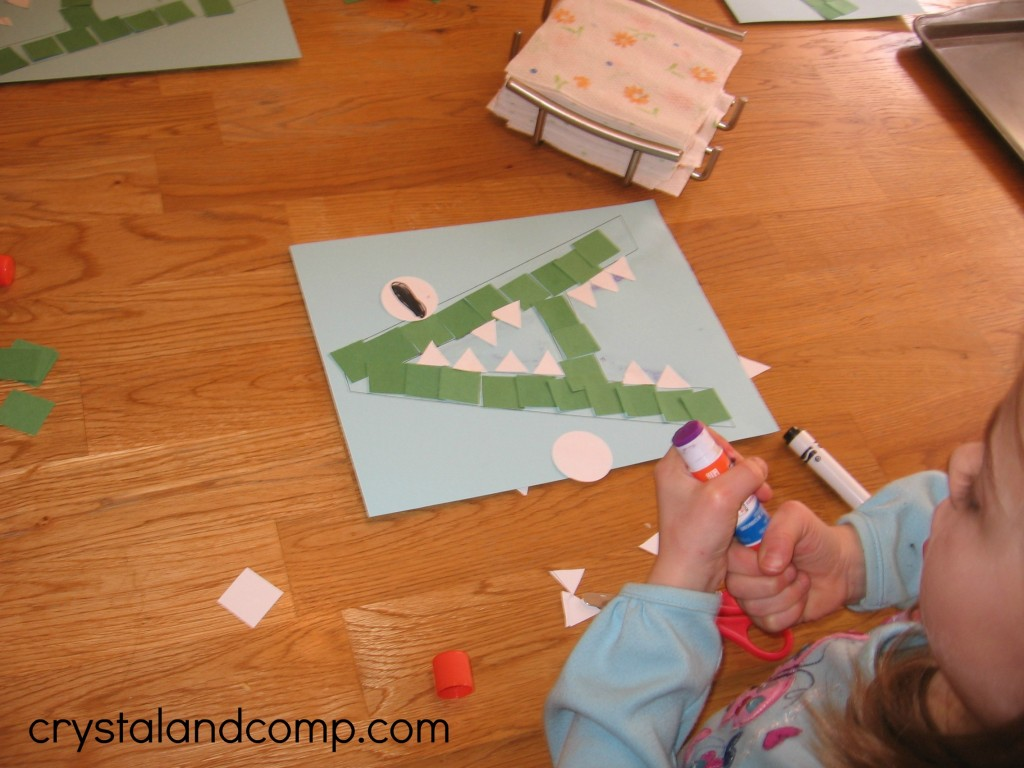 A is for alligator preschool craft (8) - crystalandcomp