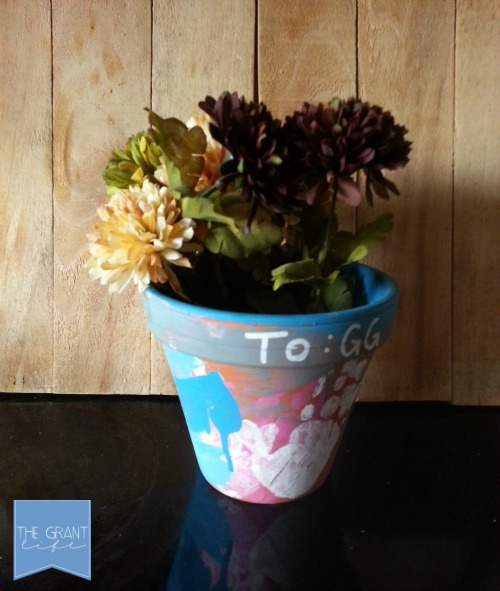 Activites for kids creating a custom mothers day gift