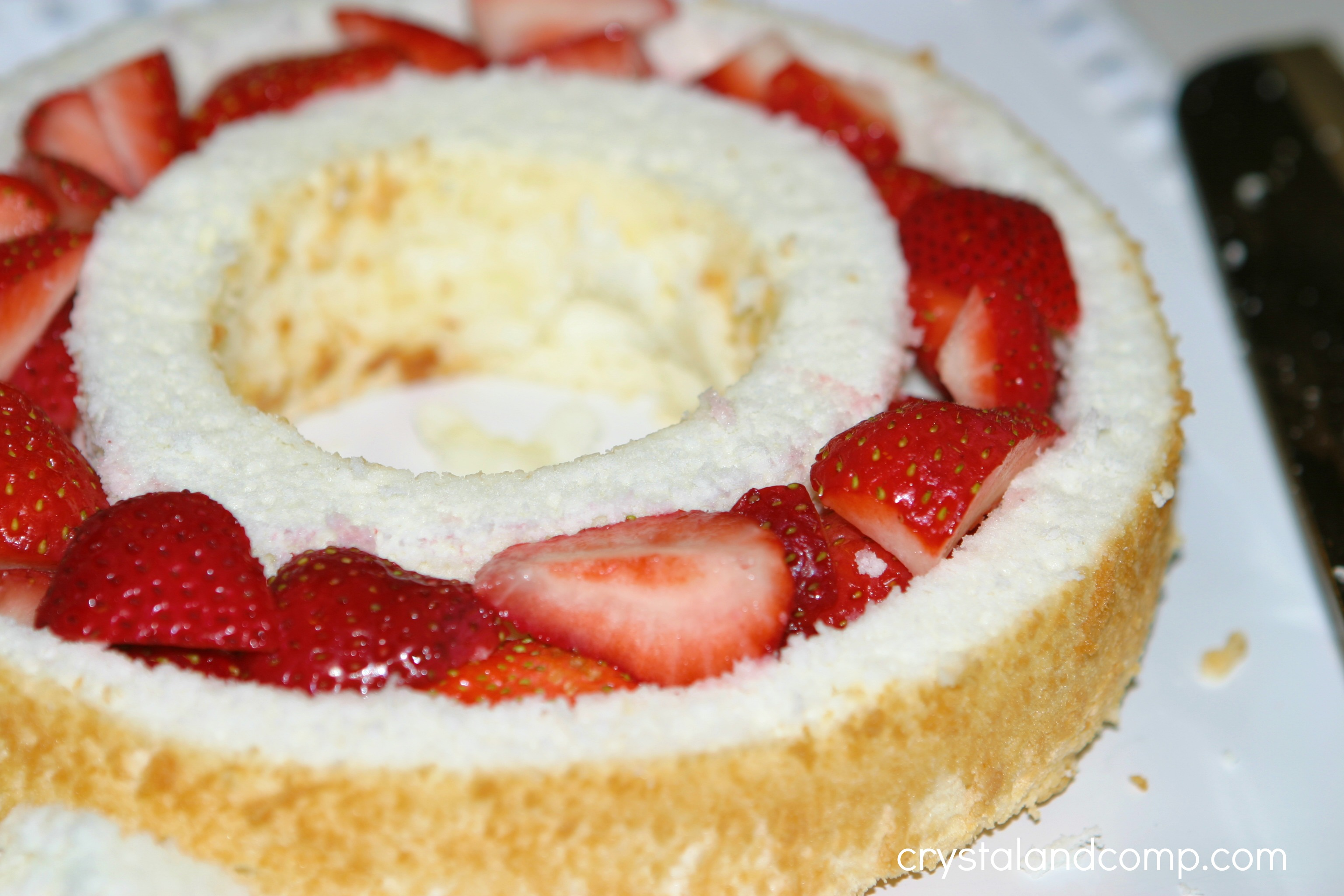 Real Easy Recipes Strawberry Angel Food Cake