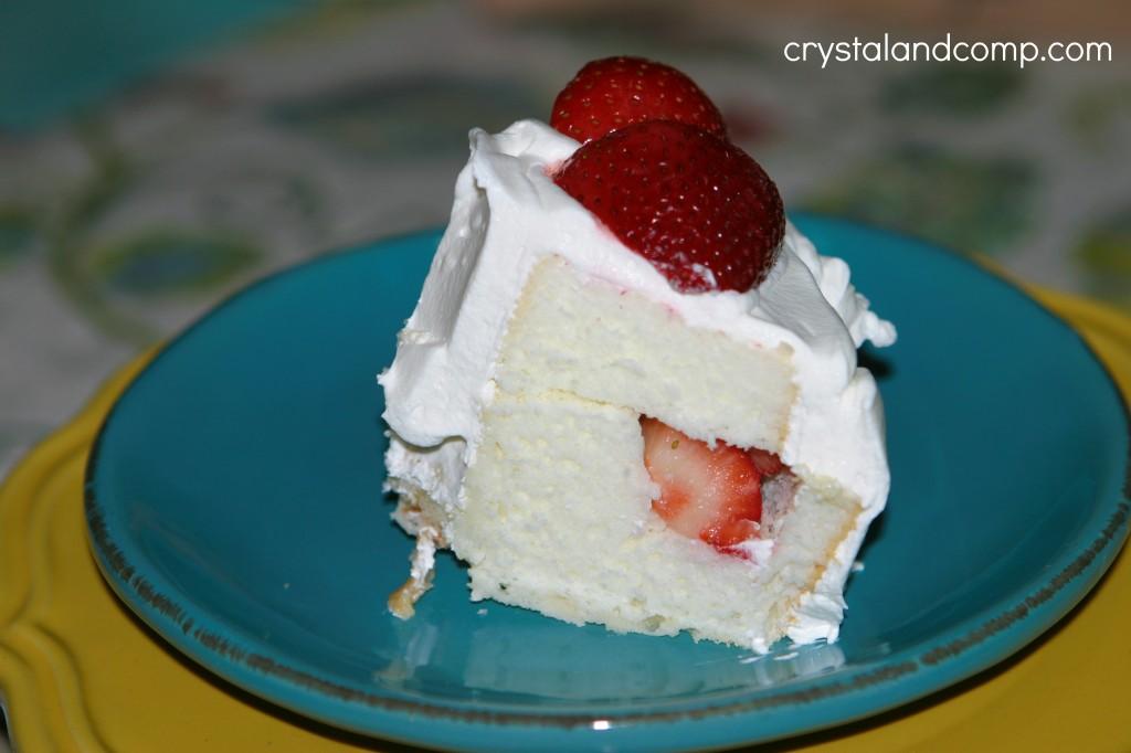 Real Easy Recipes: Strawberry Angel Food Cake | CrystalandComp.com