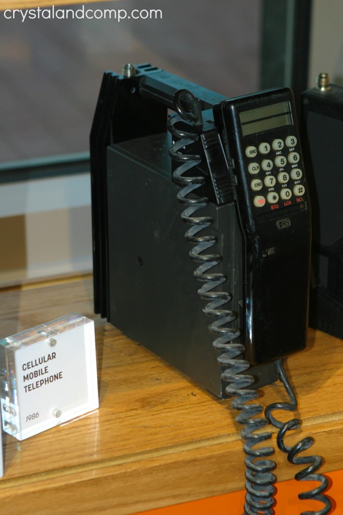 1986 cellular mobile phone radio shack