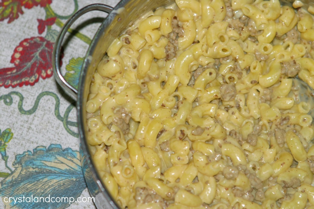 easy beef mac and cheese