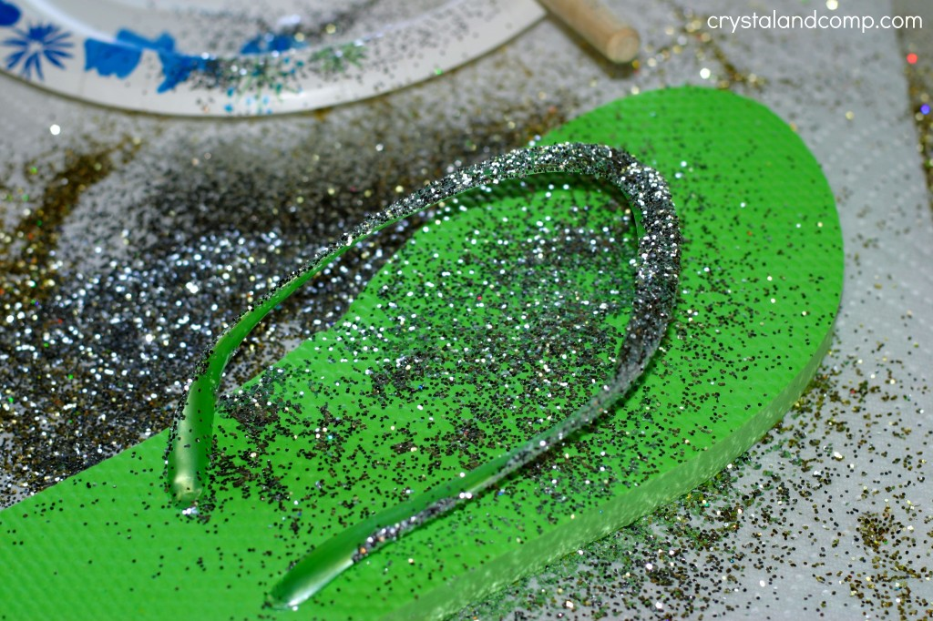 how to make glitter flip flops