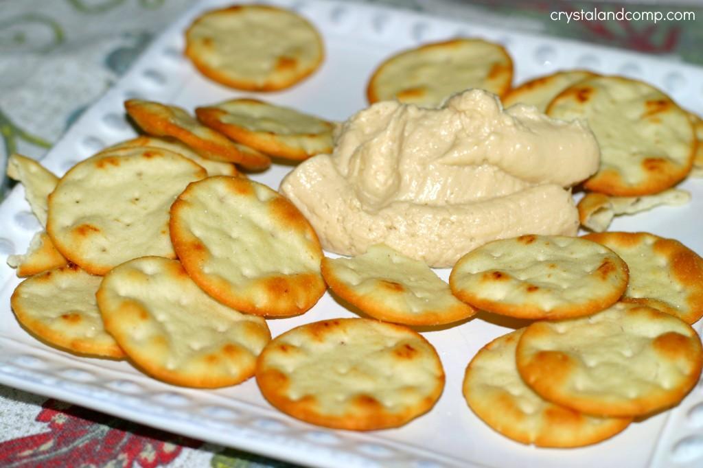 trader joes hummus and pita chips