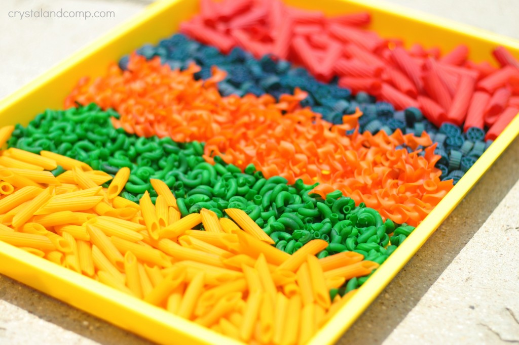dying pasta for kids to play with