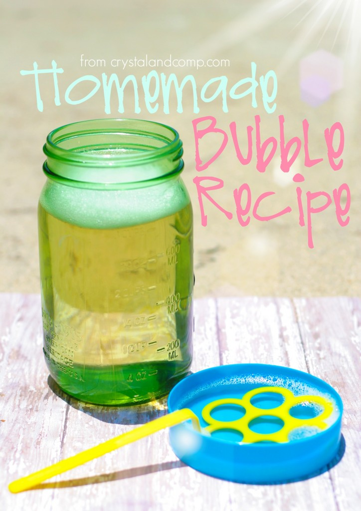 homemade bubble recipe from crystalandcomp.com