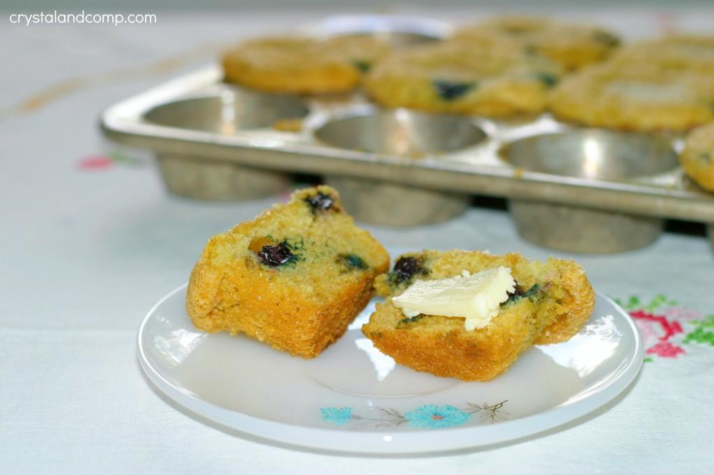 easy homemade muffins using coffee creamer