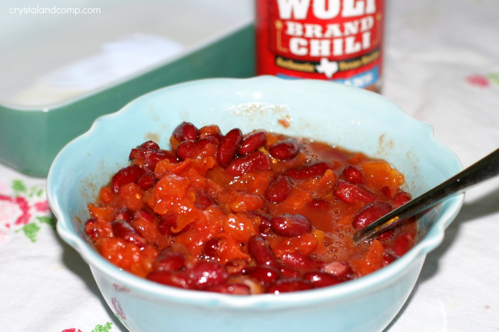 use wolf brand chili to make amazing party dip