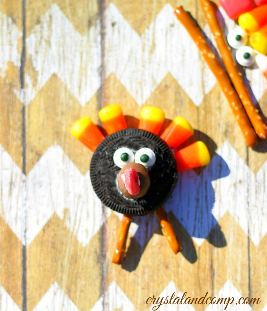 how to make a turkey with an oreo cookie