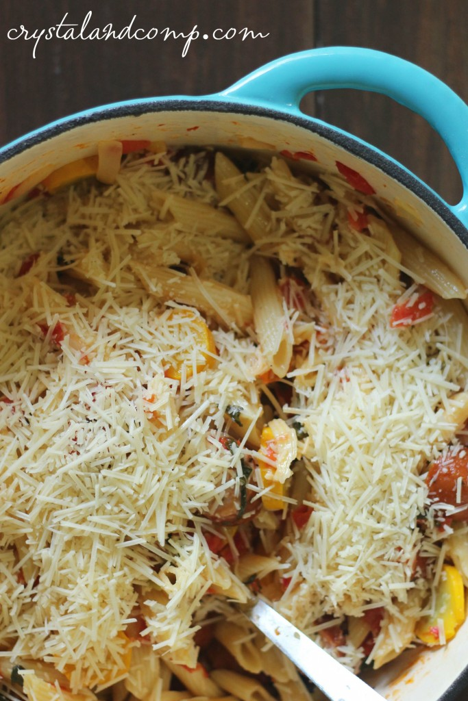 one pot pasta dish with chicken sausage