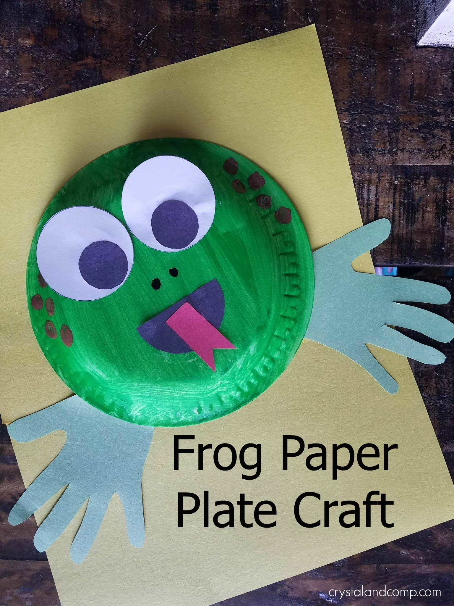 This f is for frog craft is simple but entertaining and your preschooler will enjoy the hands on process. Check out how we made this paper plate frog ! & F is for Frog Craft