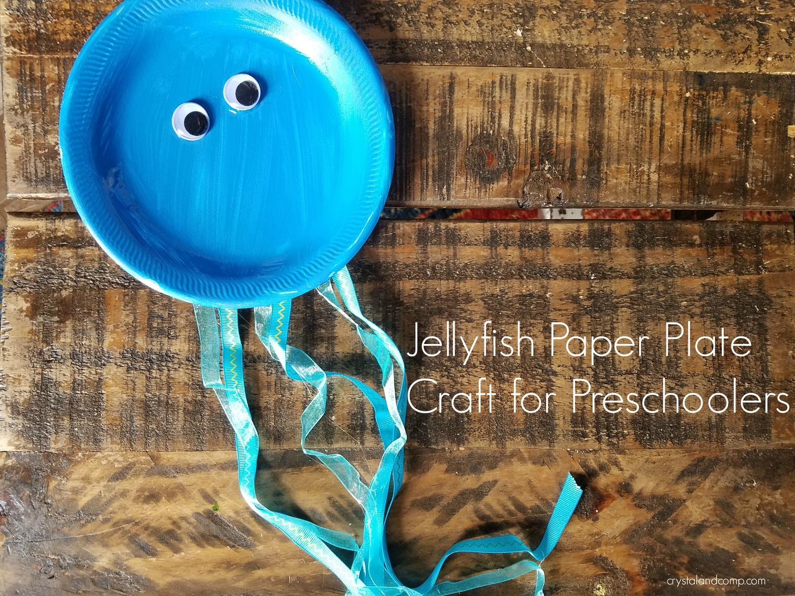 If you are a homeschool mom or just supplementing through the alphabet this craft is a great one to add to your list and you and your kiddos will love it! & J is for Jellyfish