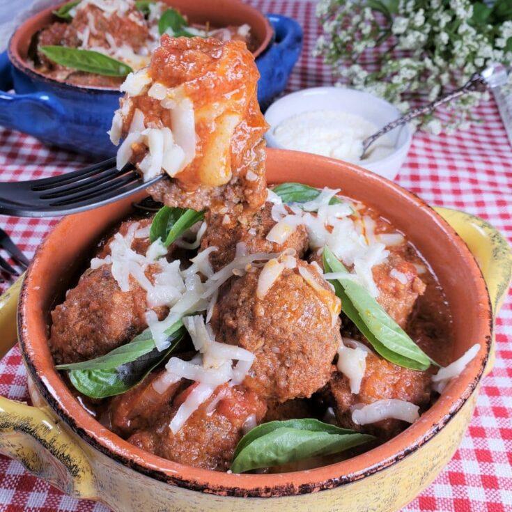 Instant Pot Low Carb Margherita Pizza Stuffed Meatballs