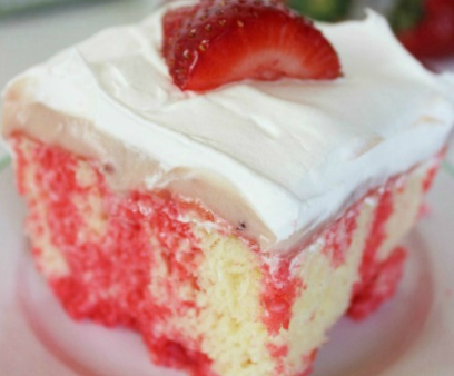 Strawberry Cheesecake Poke Cake Recipe!